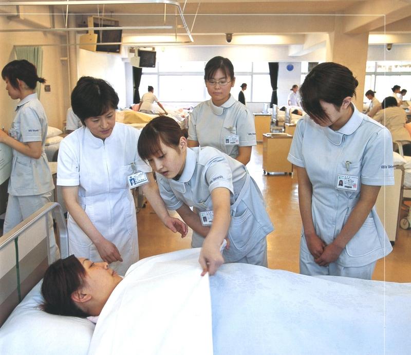 Thông báo tuyển chọn ứng viên điều dưỡng sang học tập và làm việc tại các bệnh viện của CHLB Đức - Khóa I năm 2016
