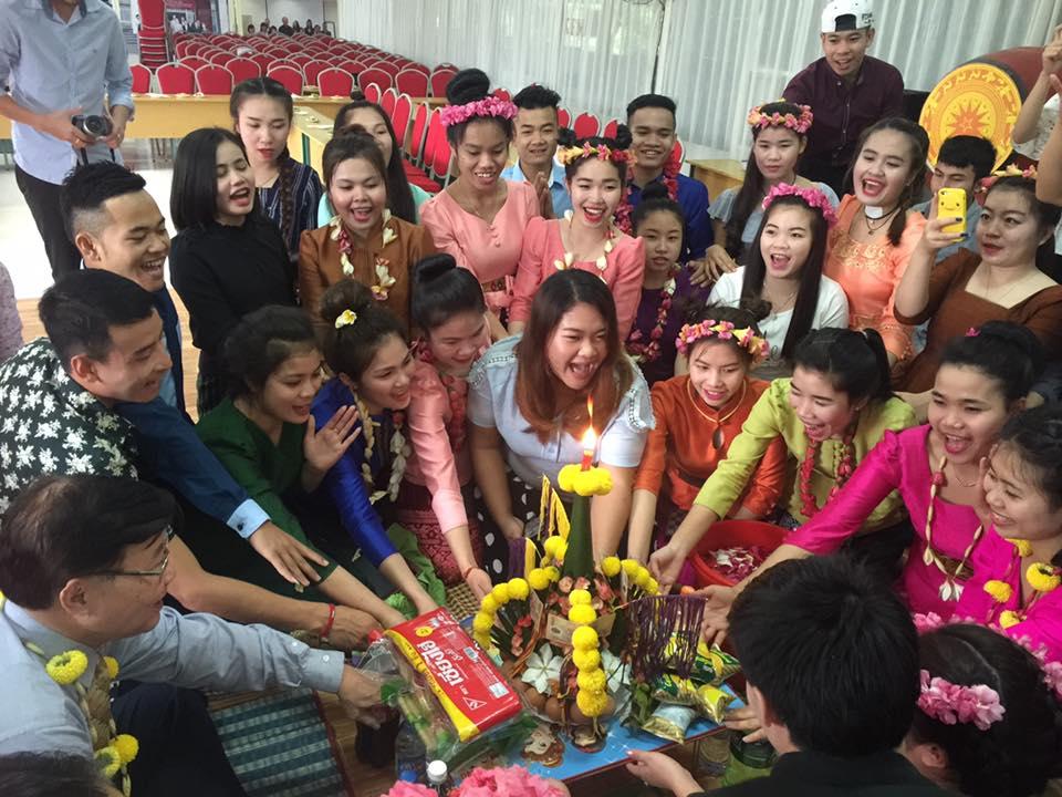 Đầm ấm Tết Bunpimay của Lưu học sinh Lào tại Trường Cao đẳng Y - Dược Asean