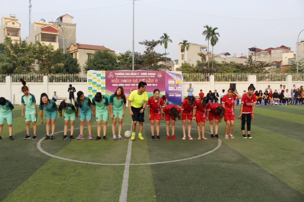 Bế mạc giải bóng đá nữ lần V - Cao đẳng Y Dược Asean