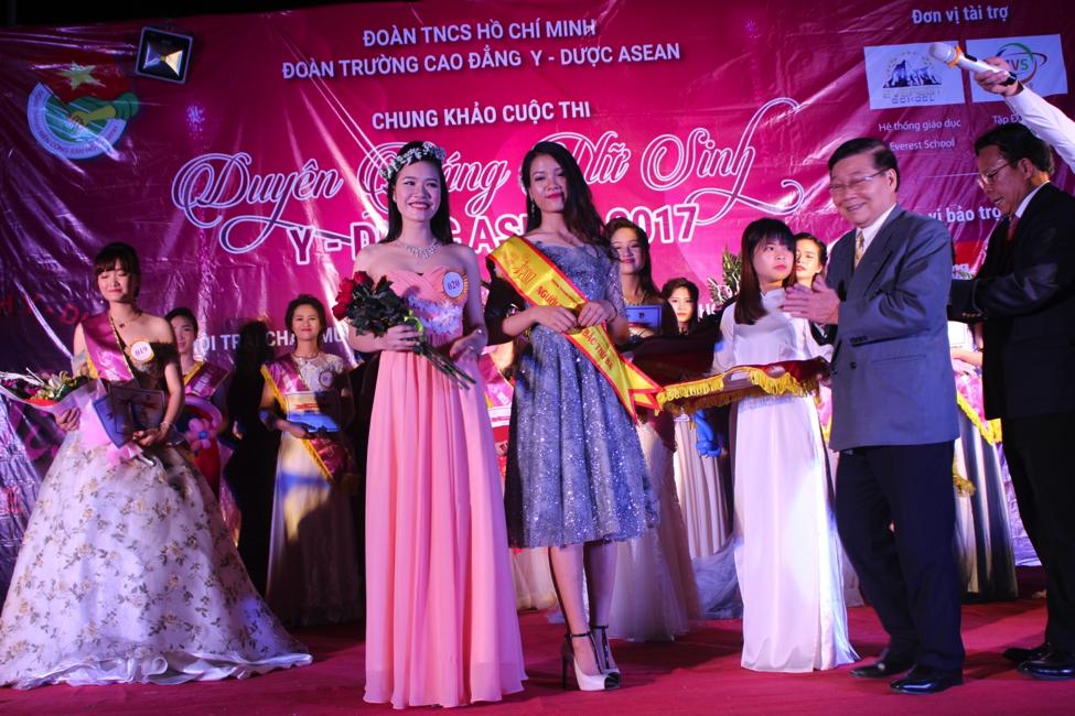 DUYÊN DÁNG NỮ SINH Y DƯỢC ASEAN 2017