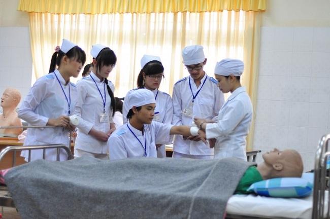 Chương trình đào tạo ngành Điều dưỡng hệ chính quy