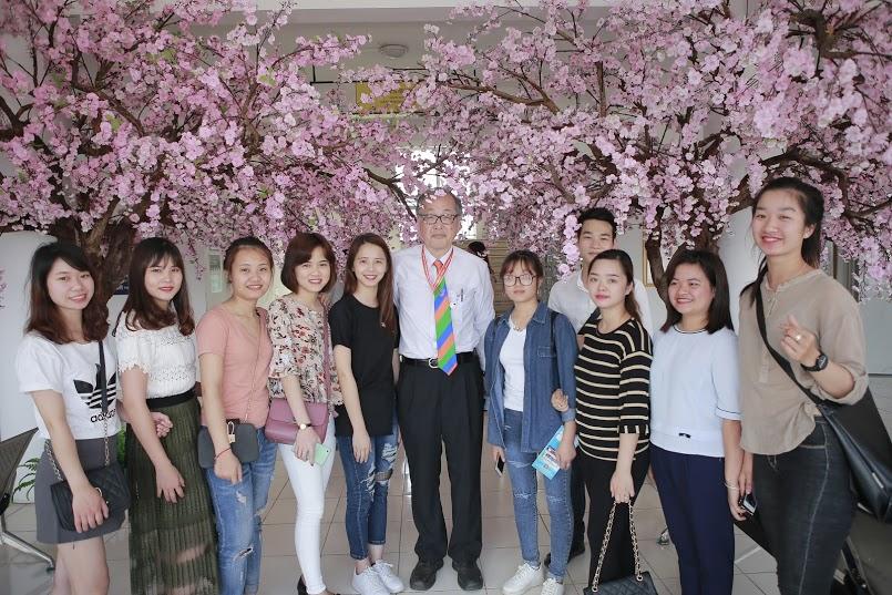 Ghé thăm một buổi học tiếng Nhật của sinh viên lớp Điều dưỡng Quốc tế