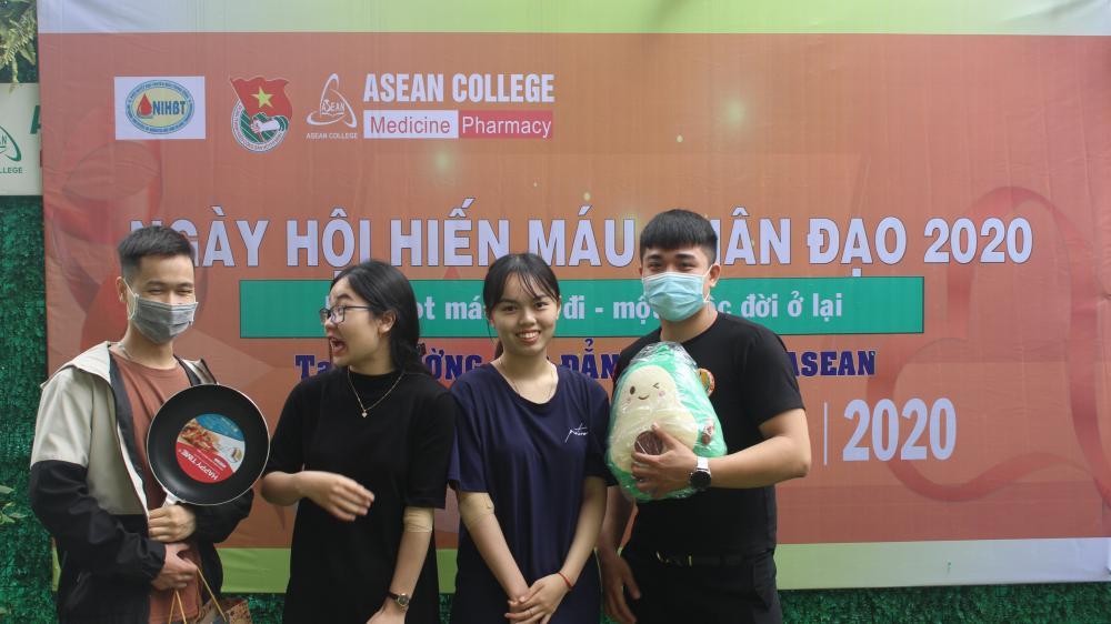 Nghĩa cử cao đẹp: Ngày hội hiến máu tại trường Cao đẳng Y - Dược ASEAN