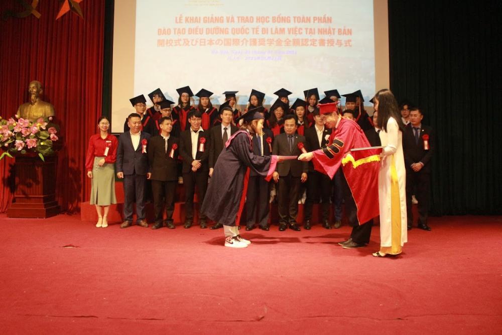 Lễ Khai giảng và trao học bổng toàn phần Điều dưỡng quốc tế năm 2020